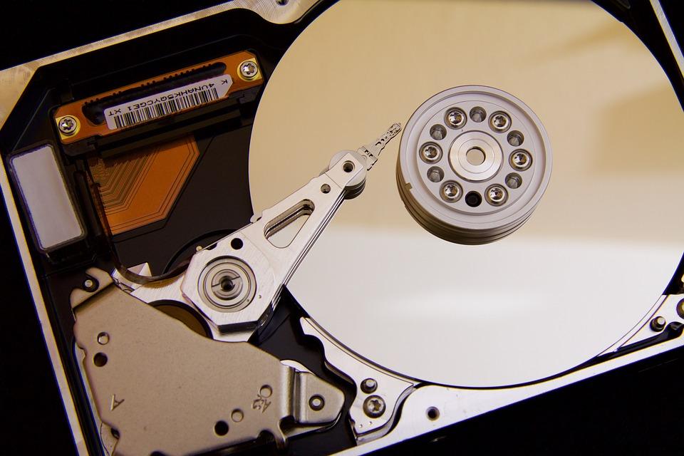 ¿Cómo instalar un lector de CD/DVD/Blu-Ray SATA en tu ordenador de sobremesa?